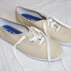 Keds Womans Sneakers